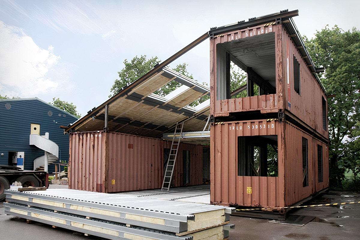 Модулно жилище от транспортен контейнер